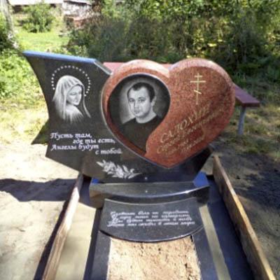 Резные памятники Малоярославец